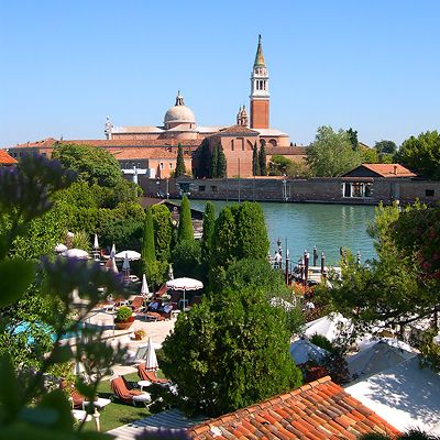 VeniceCiprianiHotel-poolrestaurant