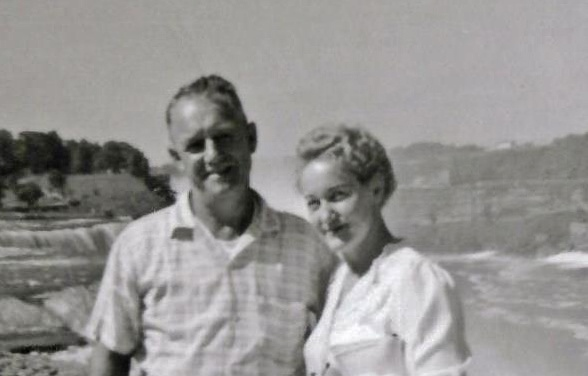 Albert Bader & Isabel Bader at Niagara Falls 1959 closeup