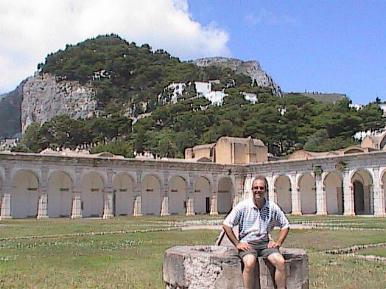 Capri-Grant-Colonnade And Cliffs
