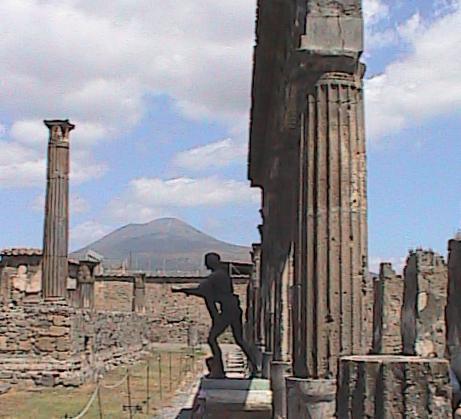 Pompei-TempleStatueWithVesuviusBackground2