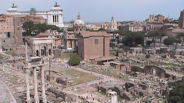 Roman Forum from Palatine overlooktoward Vittorio