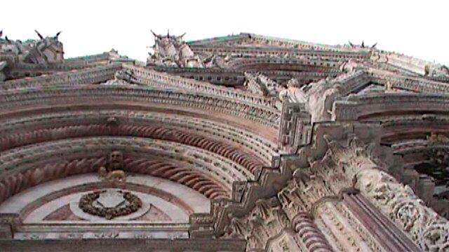 Siena-DuomoFacadeCloseupArchesAndColumns